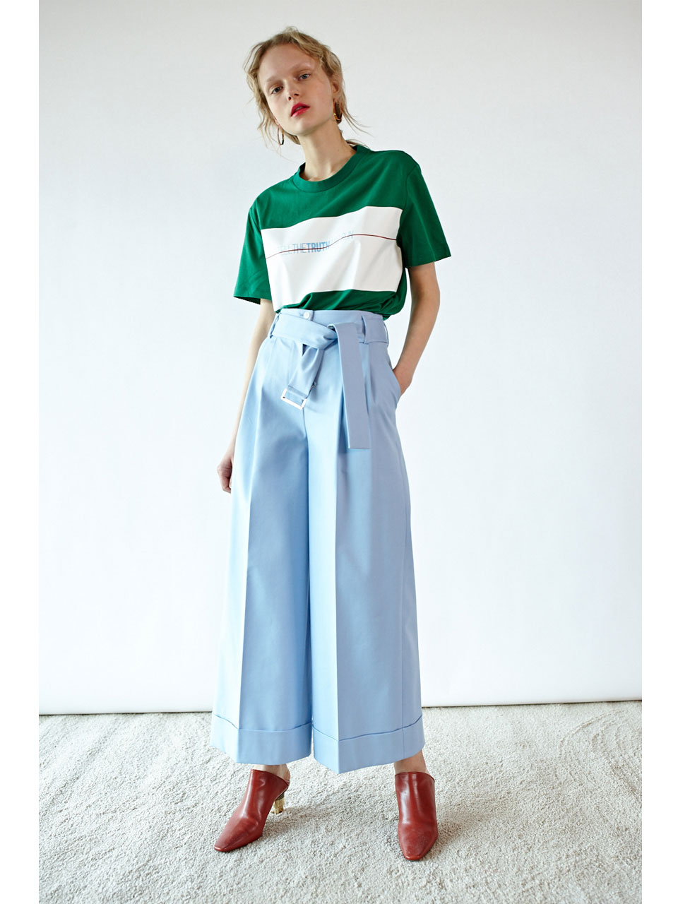 TUCKED WIDE PANTS - SKY BLUE