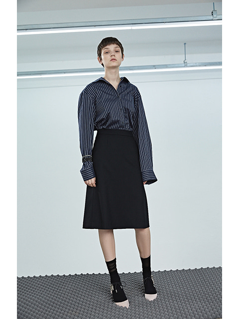 [수지착용]OVER FIT SHIRTS - NAVY STRIPE