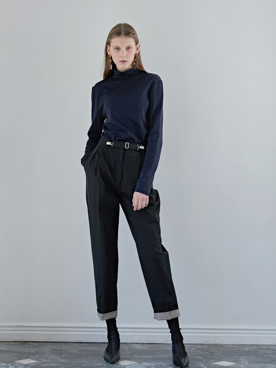 SPEA TUCK PANTS - BLACK
