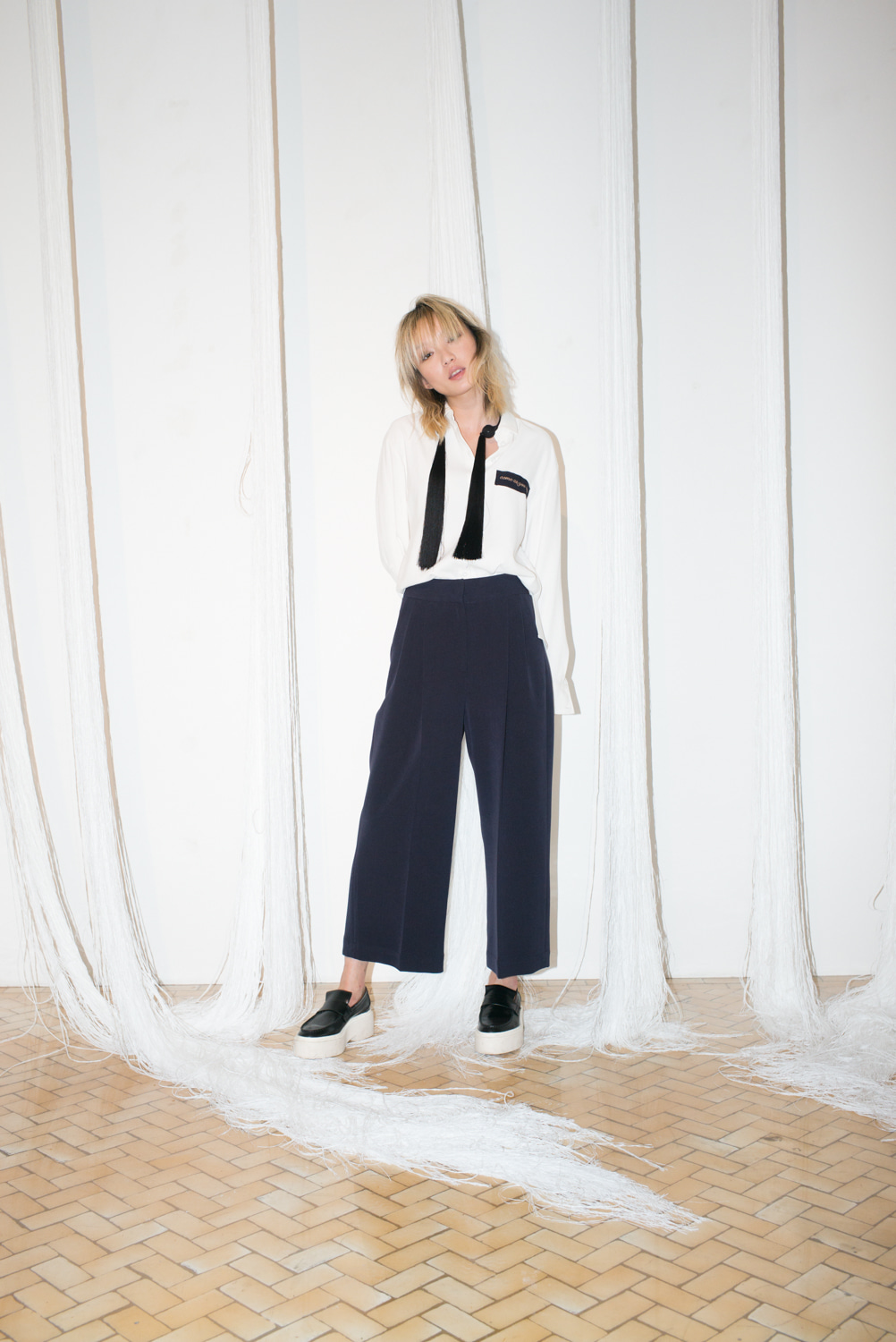 WIDE TUCK PANTS - NAVY