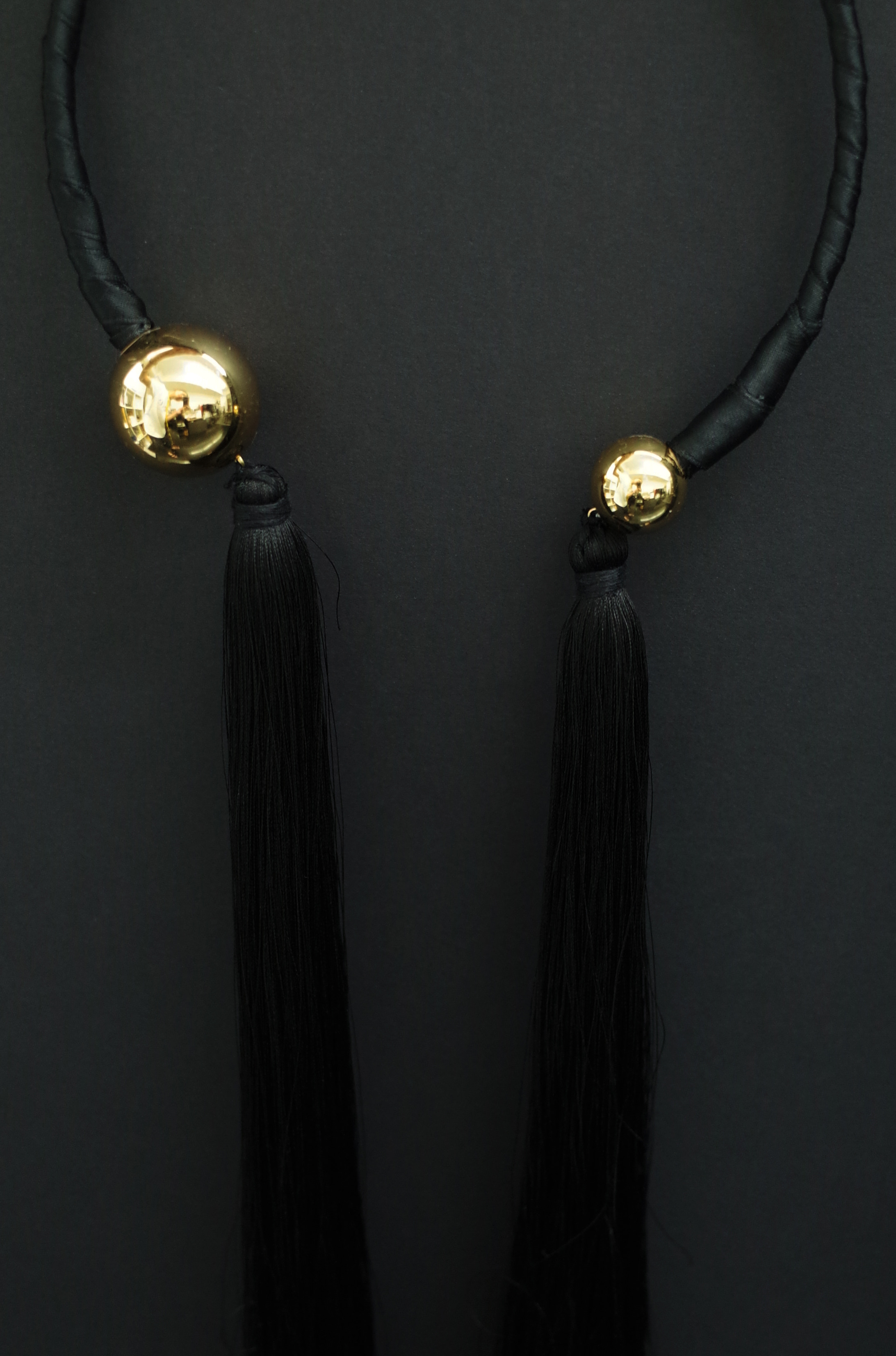 TASSEL NECKLACE -BLACK+ GOLD BALL