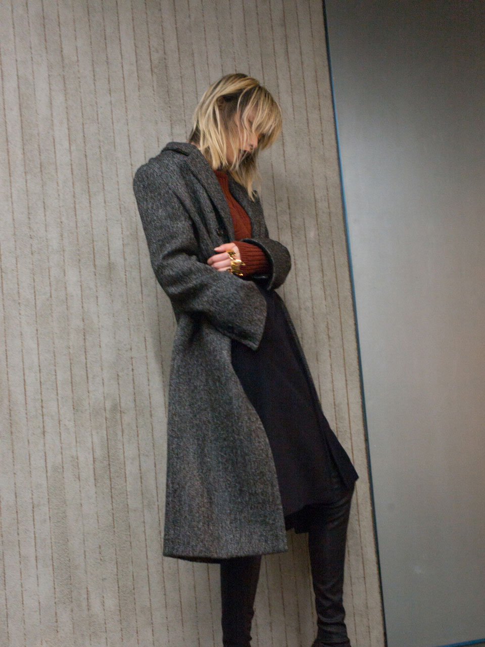 SIGNATURE LONG COAT - BLACK HERRINGBONE