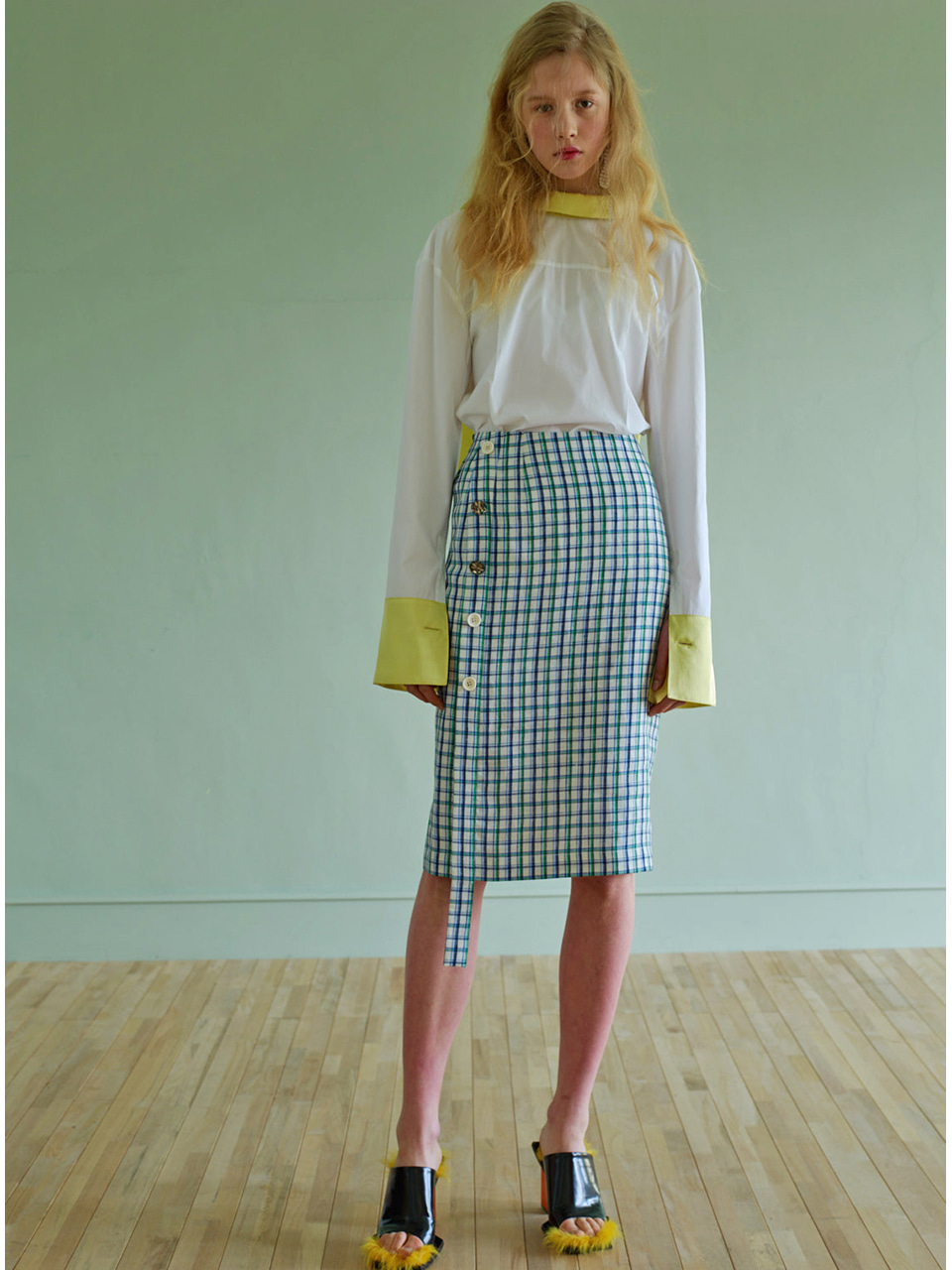 BUTTON SKIRT - CHECK