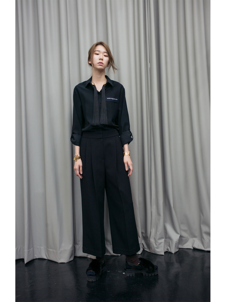 WIDE TUCK PANTS - BLACK (last one)